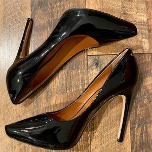 RACHEL ROY Vero Cuoio Black Patent Leather Pumps